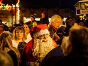 Weihnachtsmann auf dem Markt
